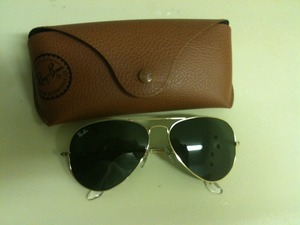 Ray Ban sunglasses(AVIATORS) rental Los Angeles, CA