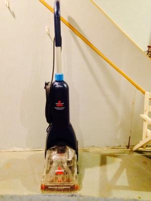 Bissell Carpet Shampooer/Rug Cleaner rental Philadelphia, PA