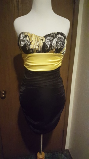 Black and yellow dress rental Seattle-Tacoma, WA
