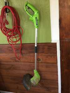 Electric weedwhacker/trimmer rental Boston, MA-Manchester, NH