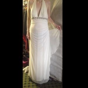 GORGEOUS Roberta Wedding/Evening dress rental Tyler-Longview(Nacogdoches), TX