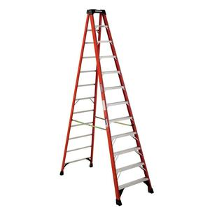 12 ft. Fiberglass Step Ladder 300 lb. max load rental Chicago, IL