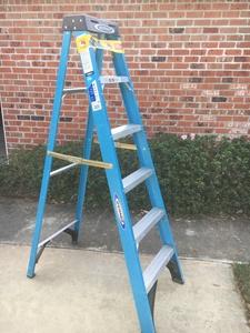 6' Ladder rental Lafayette, LA