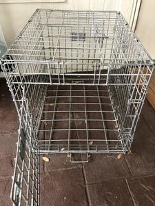 Collapsible dog crate medium sized rental Austin, TX