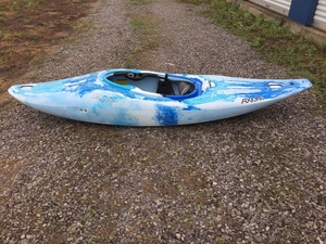 Dagger Axiom Kayak rental Chattanooga, TN