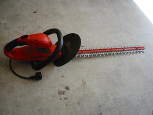 "Hedgehog 24"" electric hedge trimmer rental Austin, TX"